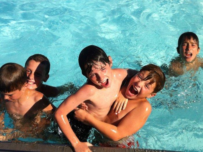 bball boys pool